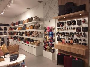 Tienda de complementos y bolsos